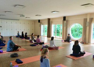 Yoga_im_Seepavillon